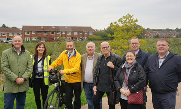 NI Politicians Visit Connswater Greenway